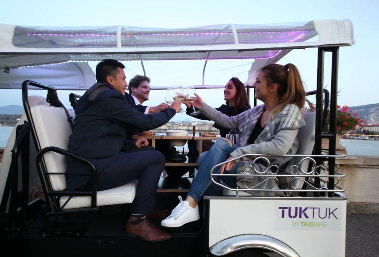 tuktuk-fondue-geneve-taxi