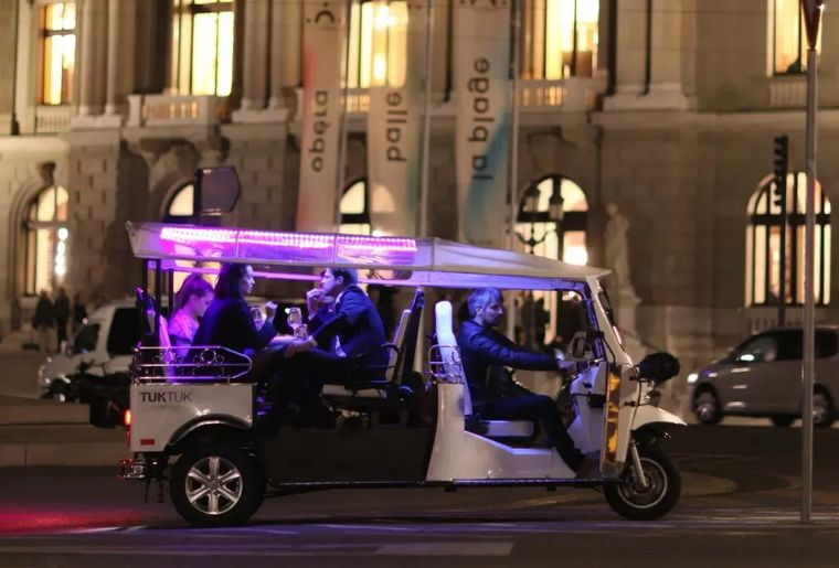 tuktuk-fondue-geneve-ville