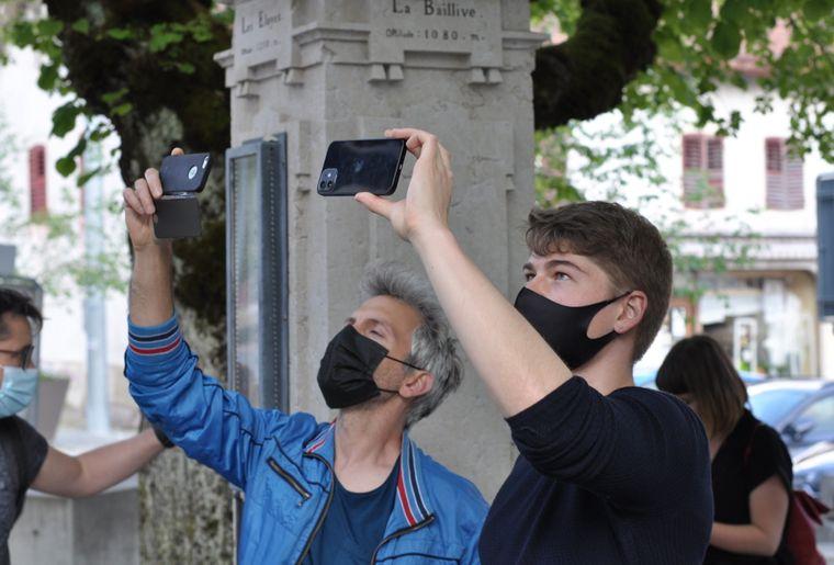 visite-interactive-saint-imier-smartphone