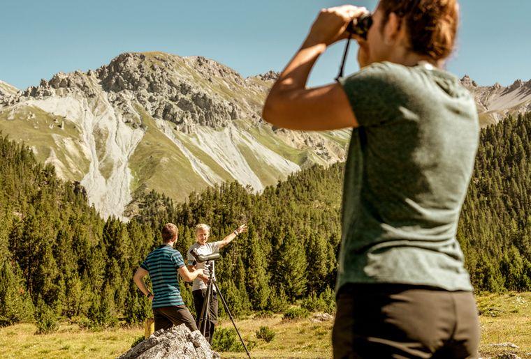 grisons-parc-national-suisse-alpine-circle-graubunden.jpg
