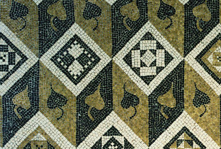 mosaïque-romaine-orbe-losange
