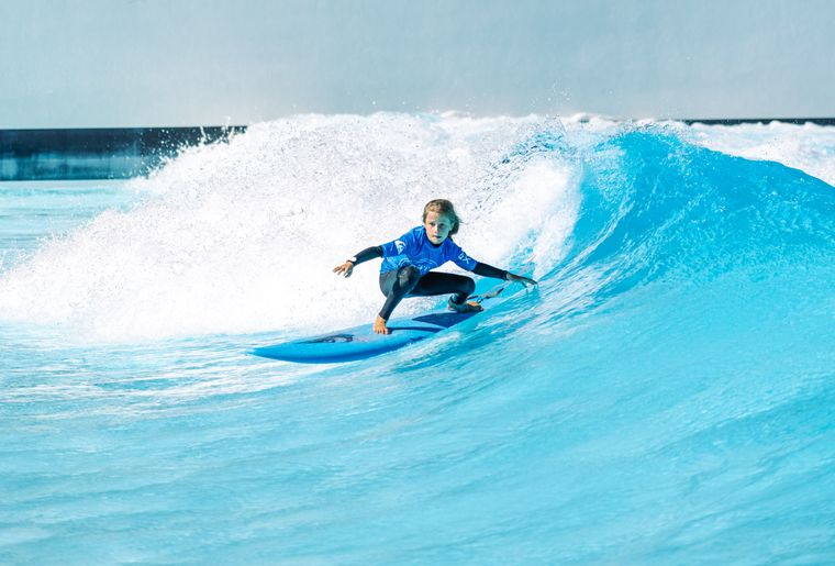 alaia-bay-sion-kids-day-surf