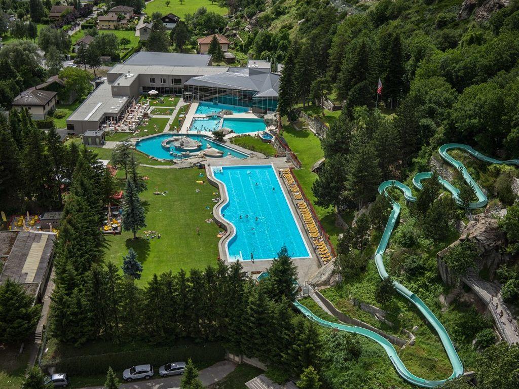 Les plus belles piscines de Suisse romande - Bains de Brigerbad