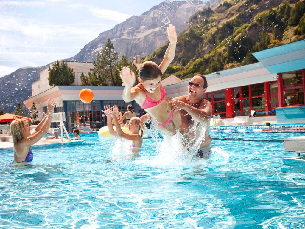 Les plus belles piscines de Suisse romande - Leukerbad Therme