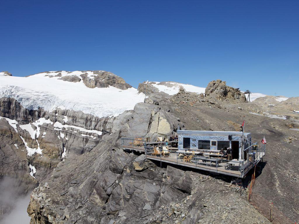 Plus belles terrasses de Suisse romande - Refuge l'espace au Glacier 3000