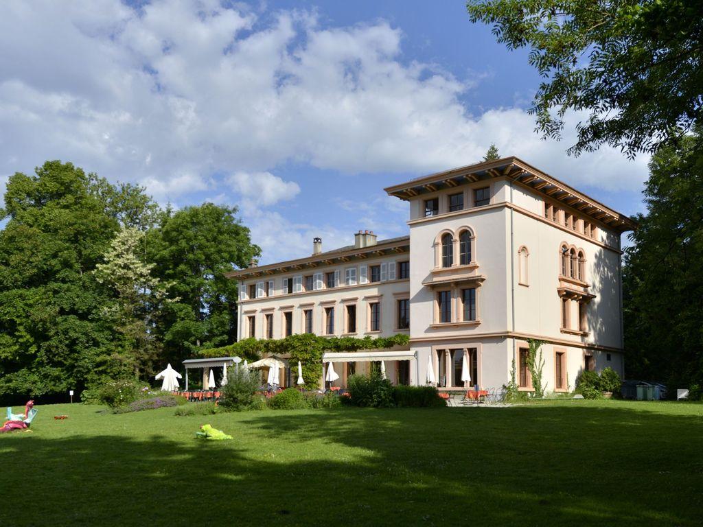 Plus belles terrasses de Suisse romande - Restaurant Le Castel de Bois-Genoud à Crissier