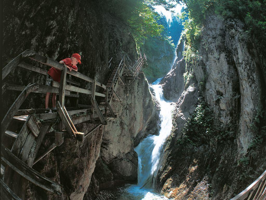Balade fraîcheur entre ponts, passerelles et cascades aux gorges du Durnand