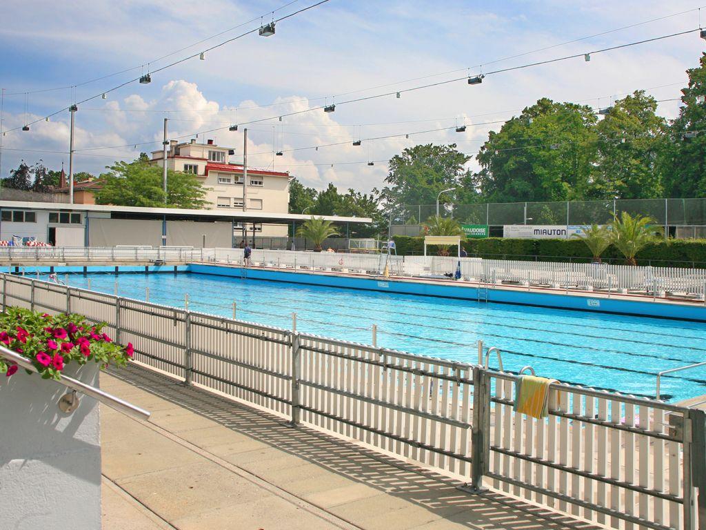 Les plus belles piscines de Suisse romande -  Piscine de Montchoisi