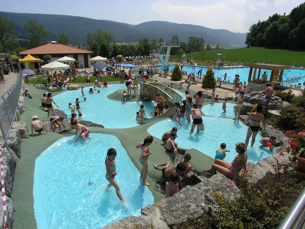 Les plus belles piscines de Suisse romande - Piscine des Combes à Boveresse