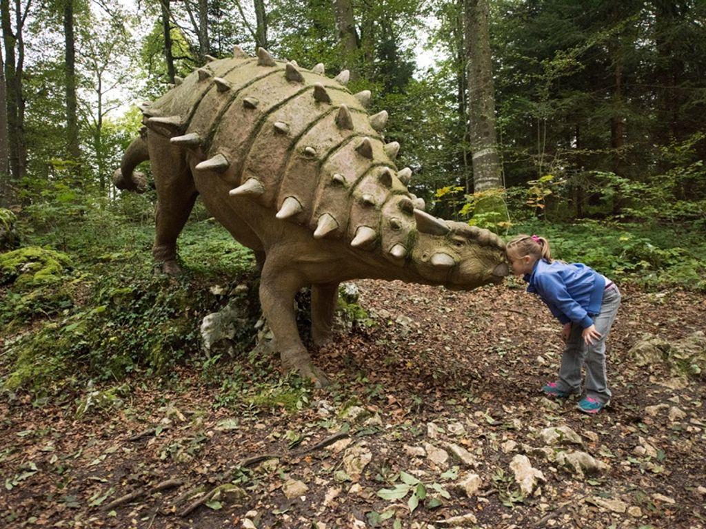 Préhisto-Parc à Reclère, un parc à dinosaures dans le Jura