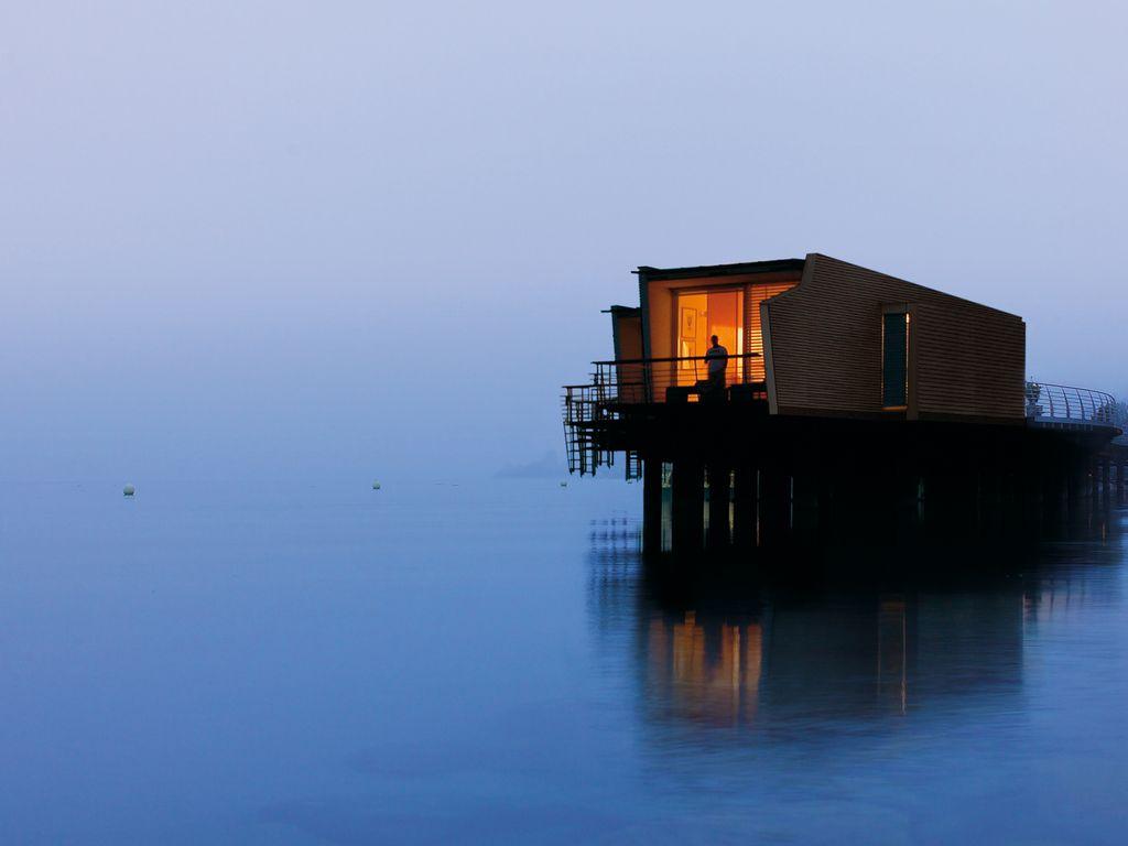 L'Hôtel Palafitte, un hébergement de luxe les pieds dans l'eau au bord du lac de Neuchâtel