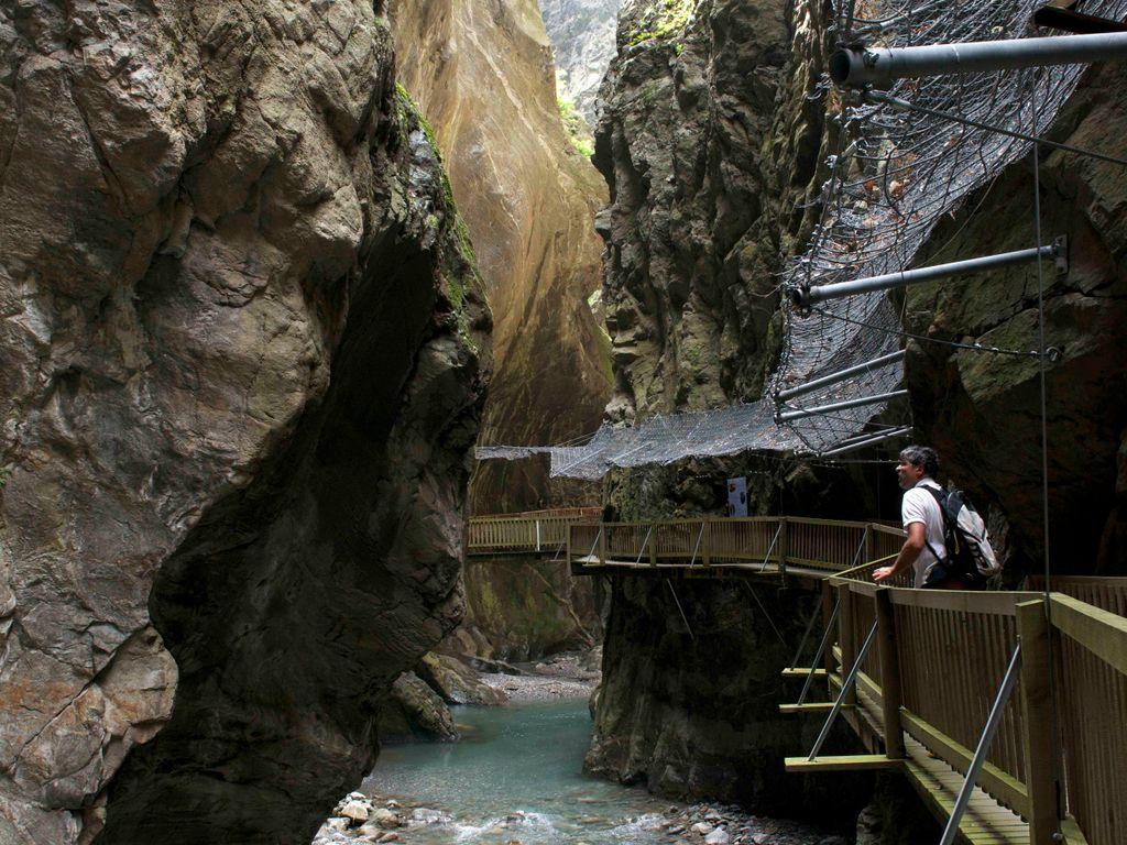 Balade fraîcheur aux gorges du Trient à Vernayaz près de Martigny