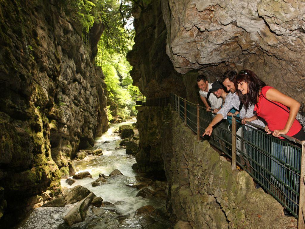 Balade au fil de l'eau aux gorges du Taubenloch, le long de la Suze, au départ de Bienne
