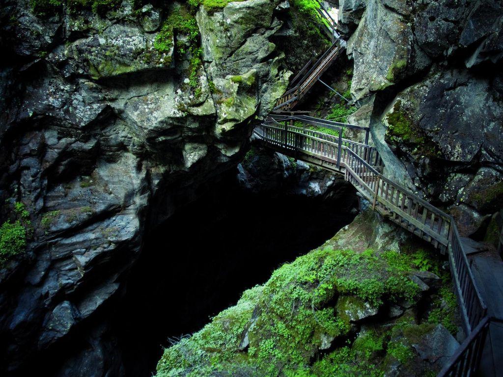 Balade fraîcheur spectaculaire aux gorges mystérieuses de Tête-Noire, entre Trient et Le Châtelard