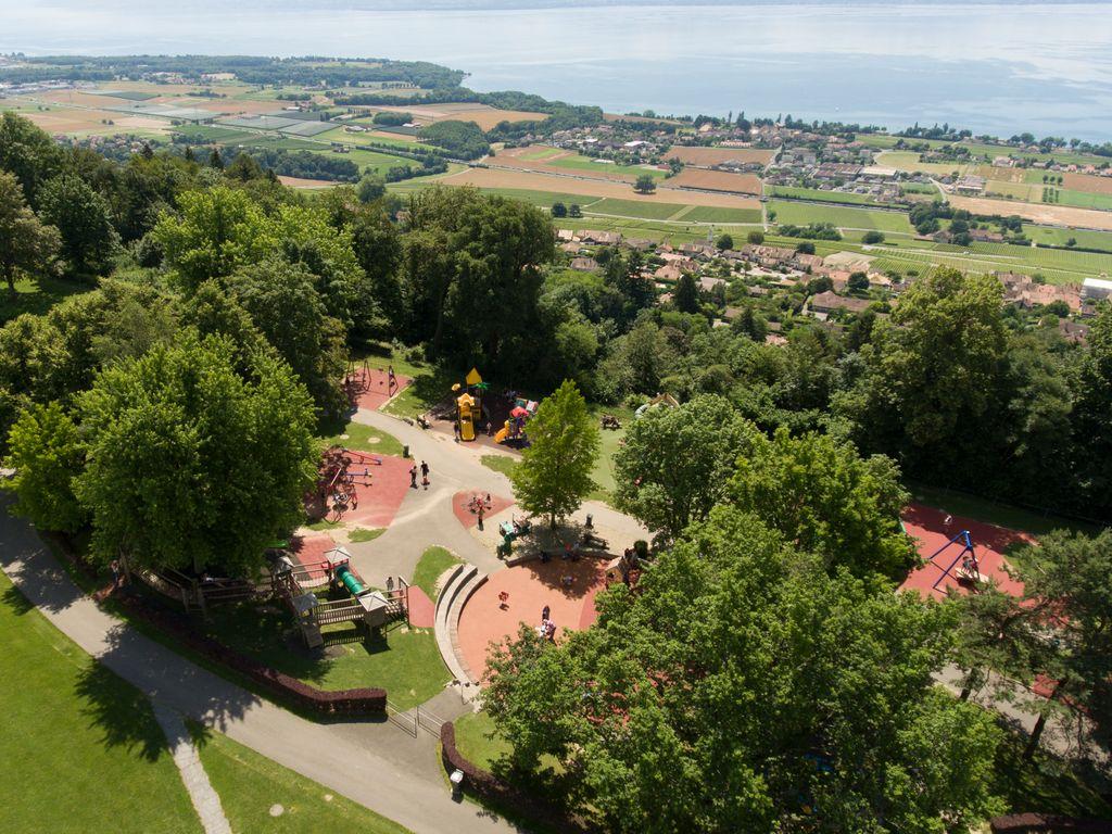 Signal de Bougy - Parc Pré Vert: animaux de la ferme, jeux, balades, parcs aventure