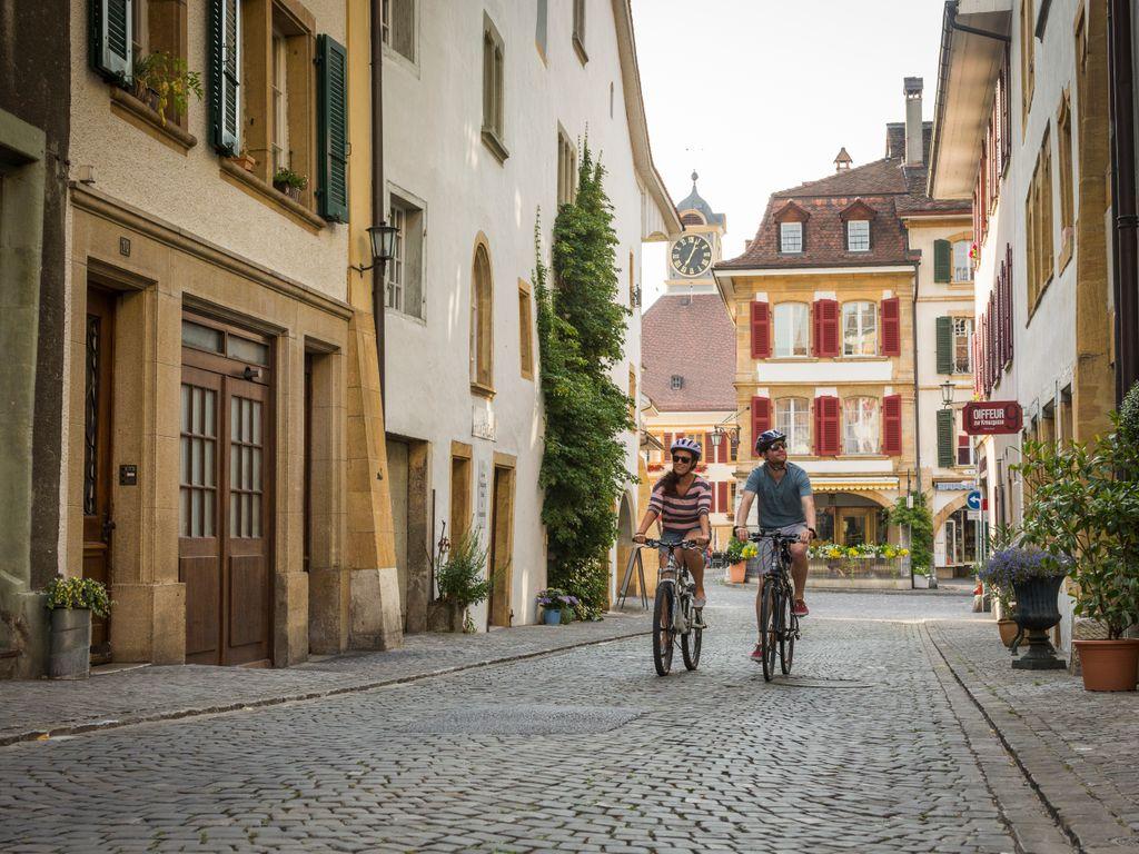 E-bike en Suisse romande - Les plus belles balades avec location pour découvrir le vélo électrique – Tour du lac de Morat