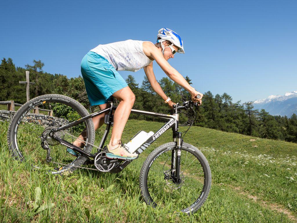 E-bike en Suisse romande - Les plus belles balades avec location pour découvrir le vélo électrique – Crans-Montana Courtavey Bike