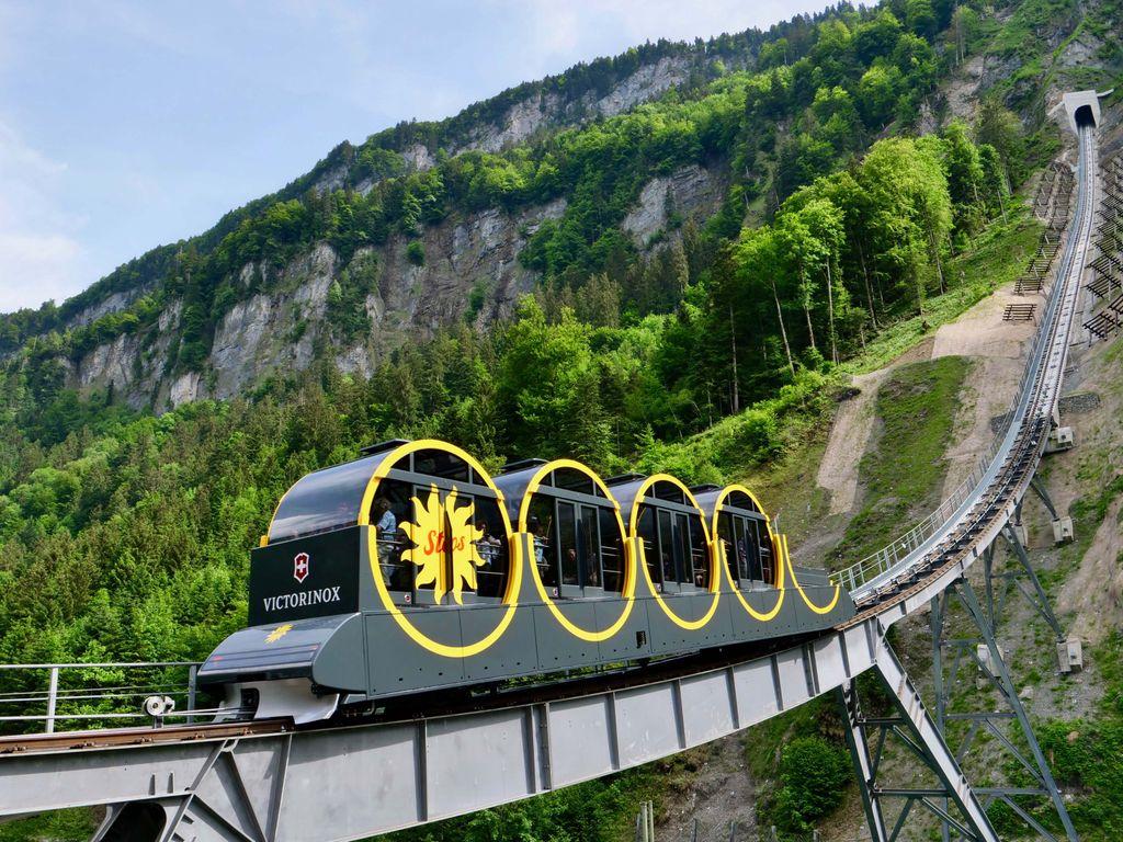 Stoosbahn - record du funiculaire le plus raide du monde