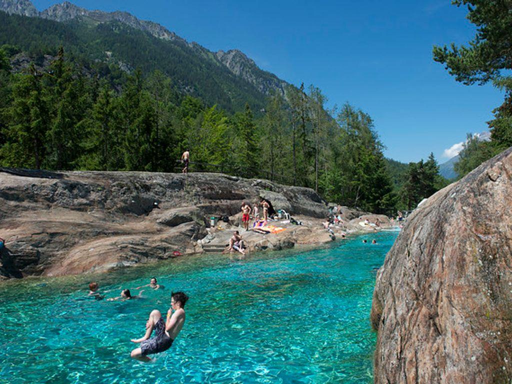Les plus belles piscines de Suisse romande - Piscine des Marécottes