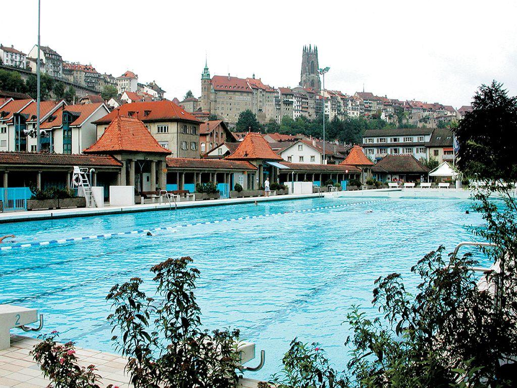 Les plus belles piscines de Suisse romande - Bains de la Motta à Fribourg