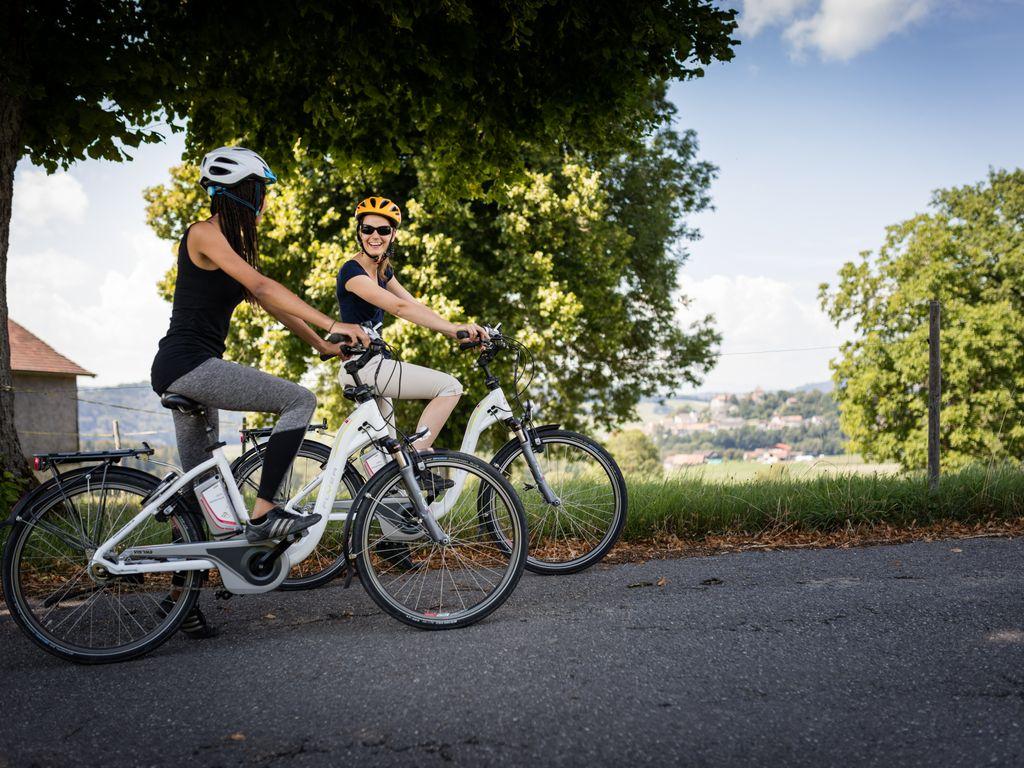 E-bike en Suisse romande - Les plus belles balades avec location pour découvrir le vélo électrique – La Route du Cœur entre Lausanne et Rorschach