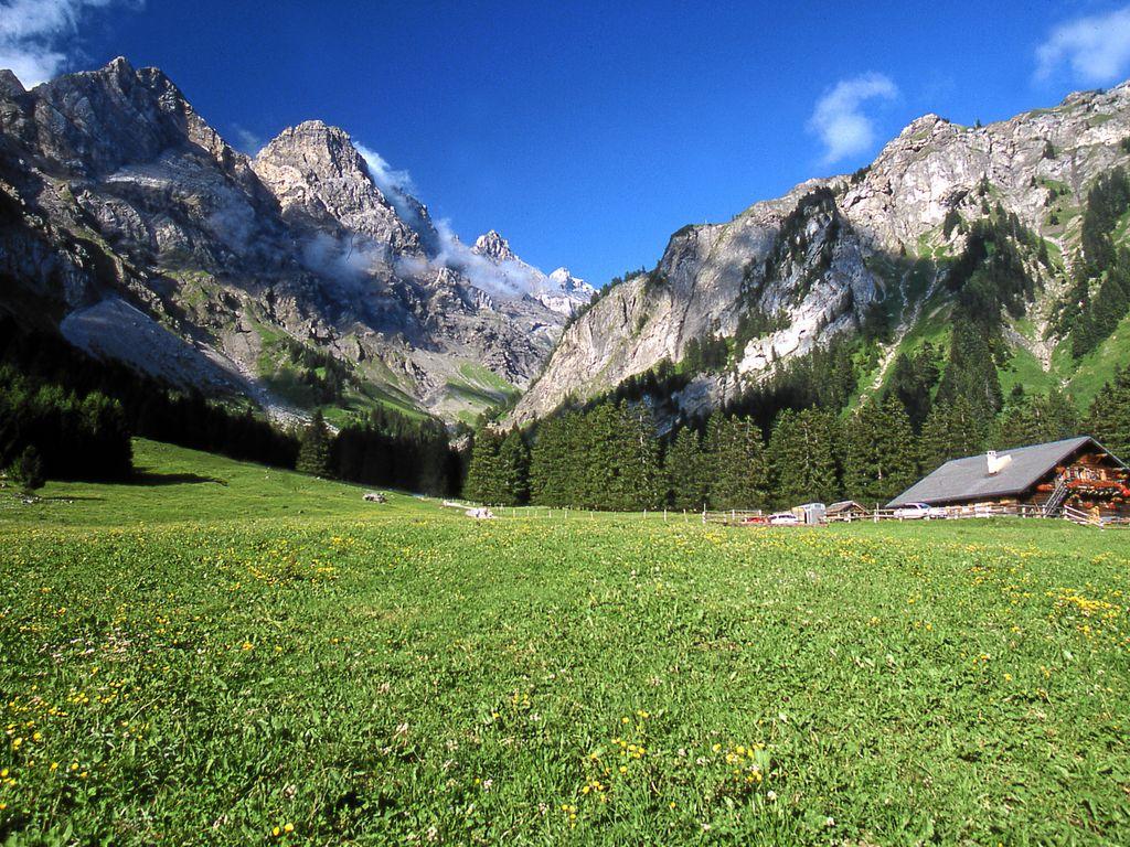 Hébergements insolites - Dormir dans un chalet d'époque – Refuge de Solalex à Gryon dans le canton de Vaud