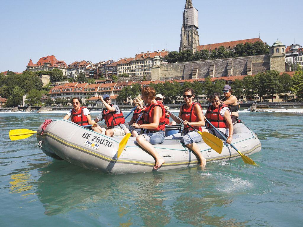 Descente de l'Aar en bateau gonflable - Le loisir le plus insolite de l'été