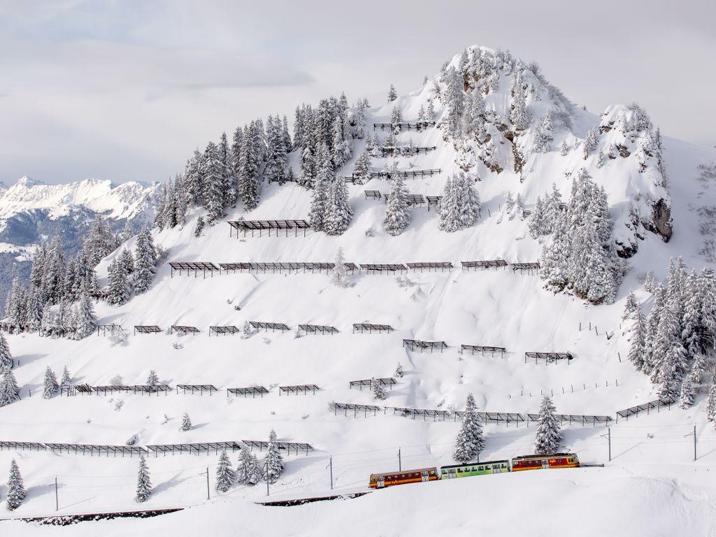 Trains suisses de légende - Transports publics du Chablais - TPC - Ski & Train