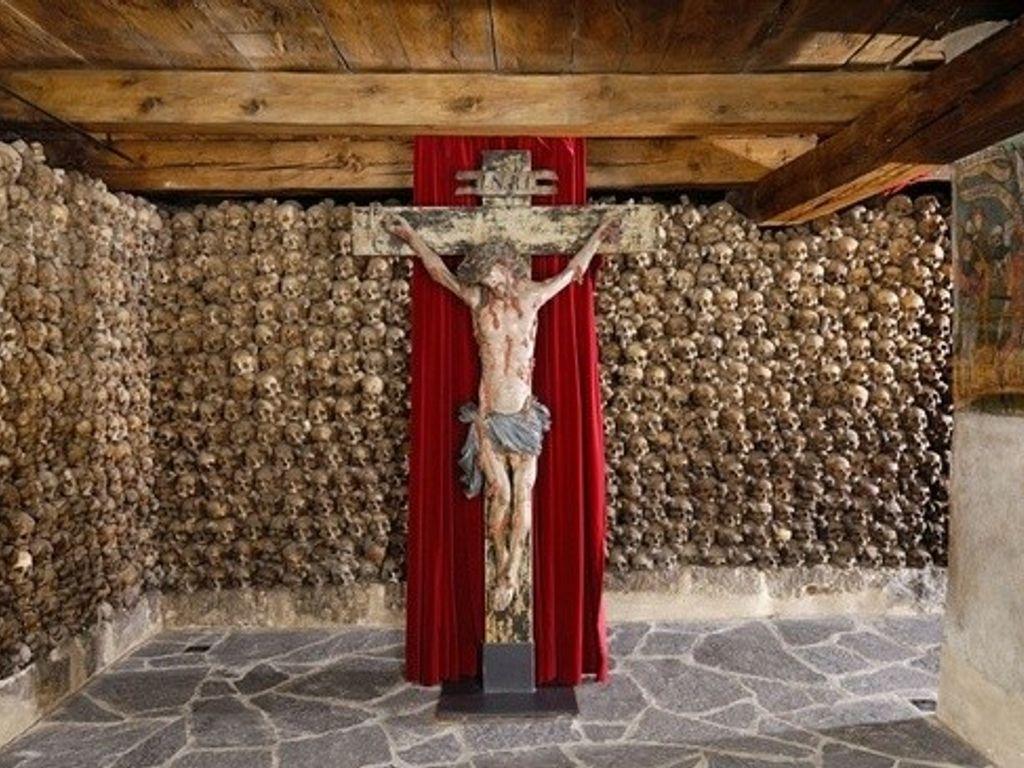 Top des loisirs qui font peur en Suisse - L'ossuaire de Loèche