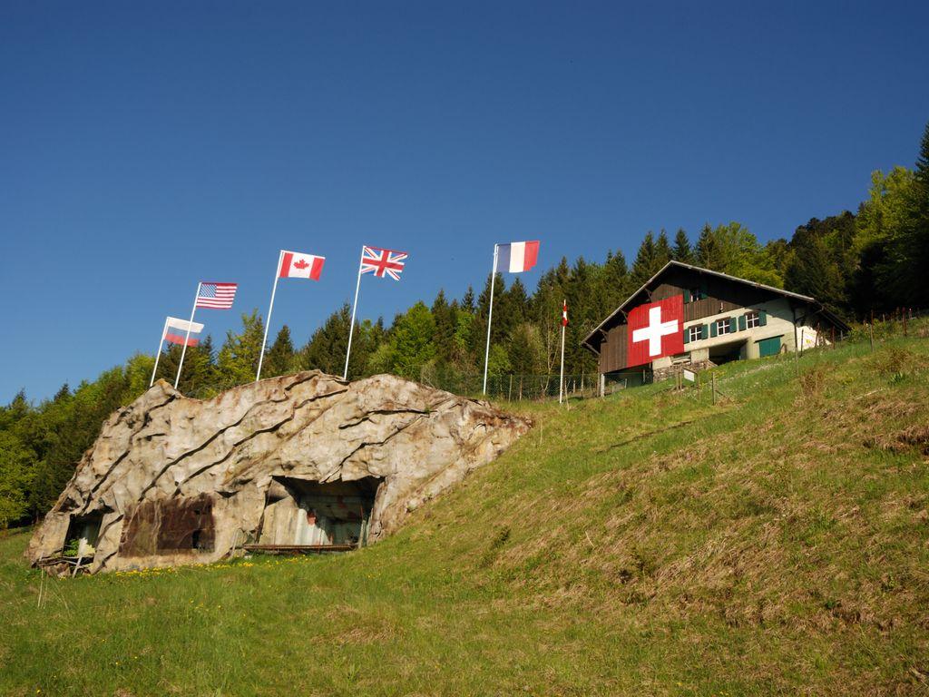 Visite insolite dans le fort militaire de Pré-Giroud à Vallorbe