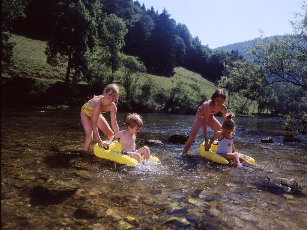 Meilleurs campings de Suisse - Camping de Tariche à Montmelon (Jura)