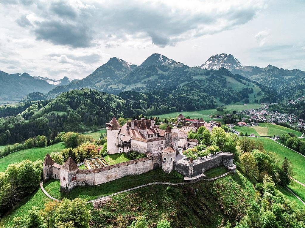 Top 150 des loisirs gratuits en Suisse romande - Visite du bourg médiéval de Gruyères, l'un des plus beaux villages de Suisse
