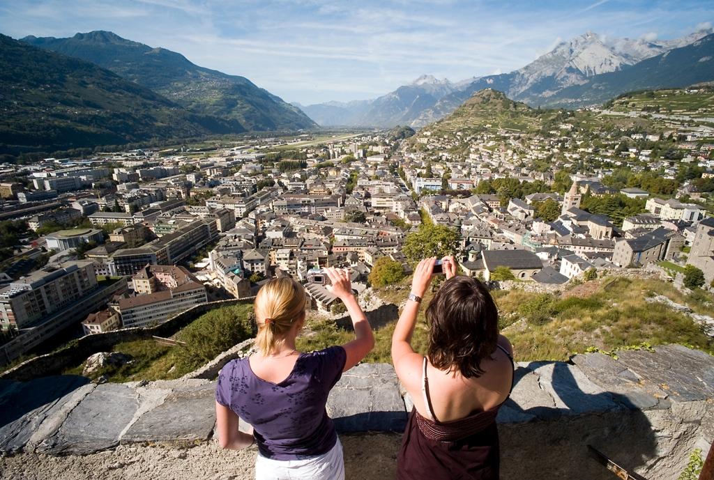 Top 150 des loisirs gratuits en Suisse romande - Balade aux châteaux de Valère et de Tourbillon