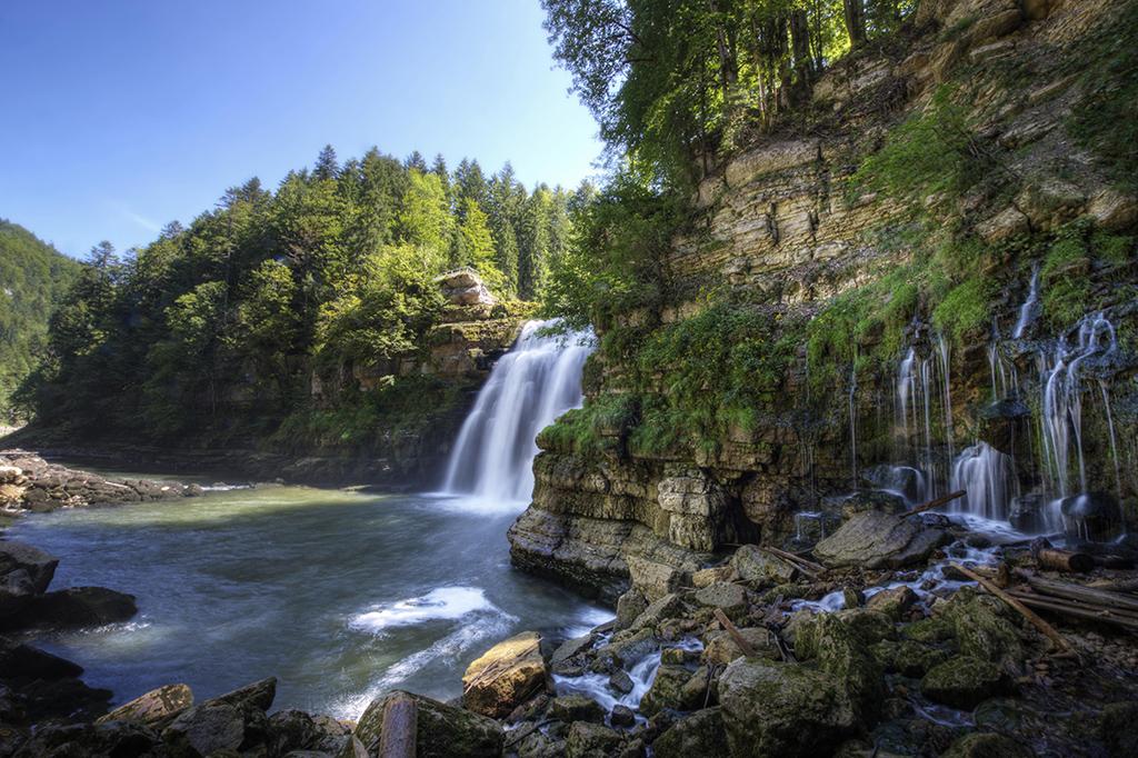 Top 150 des loisirs gratuits en Suisse romande - Balade sensationnelle à la découverte de la chute d'eau du Saut-du-Doubs