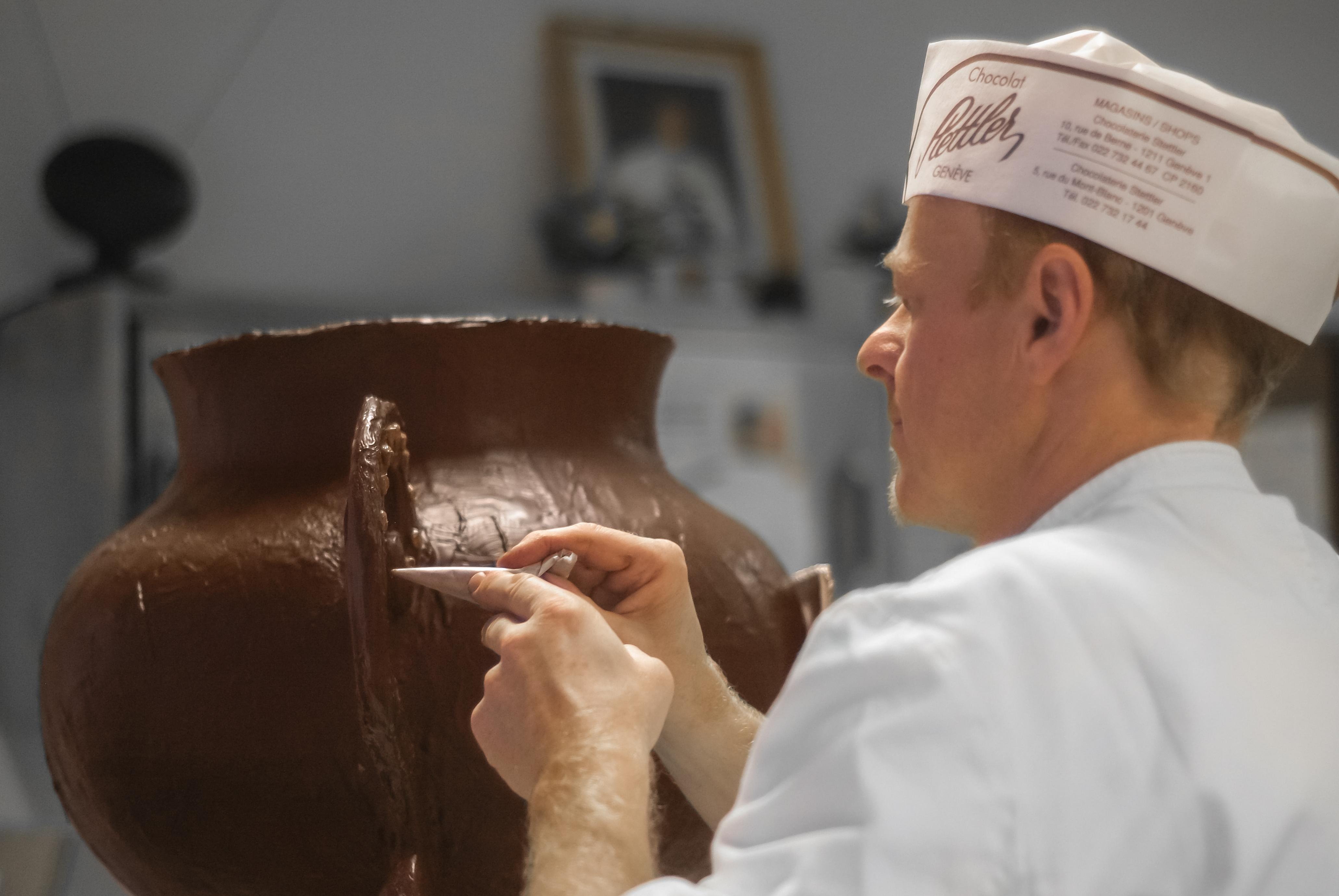 Dessert traditionnel de Suisse romande - Marmite en chocolat de l'Escalade à Genève
