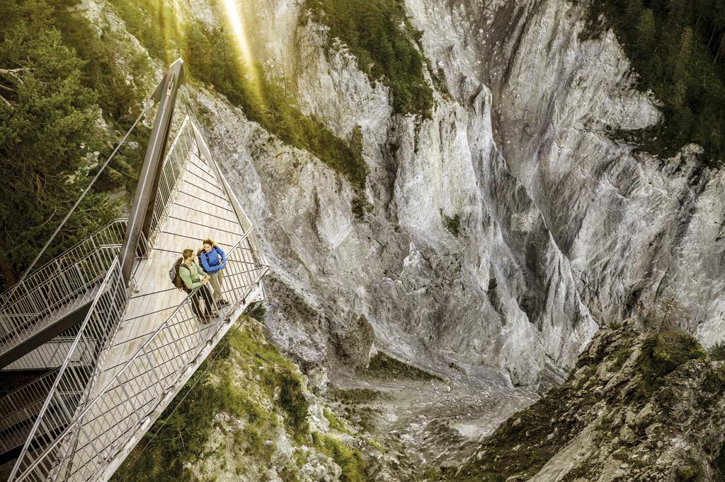 Bons plans pour vos vacances d'été en Suisse - A la découverte des gorges du Rhin, dans les Grisons, via l'Alpine Circle