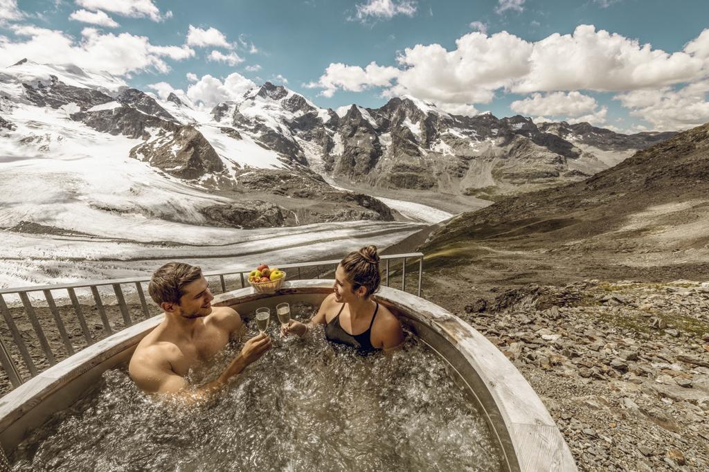 Bons plans pour vos vacances d'été en Suisse - A la découverte des glaciers de Diavolezza aux Grisons via l'Alpine Circle