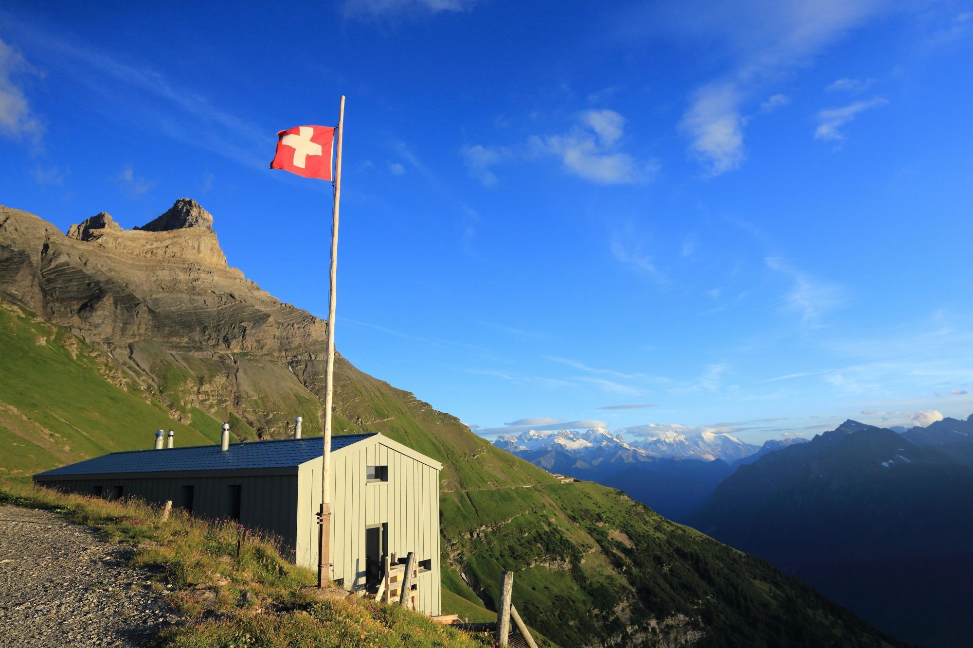 Les plus belles cabanes de montagne de Suisse - Cabane de la Tourche, Lavey-Morcles, Vaud