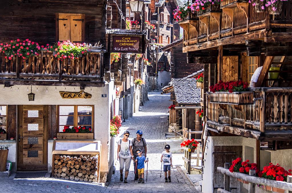 Les plus beaux villages de Suisse romande - Grimentz (Valais)