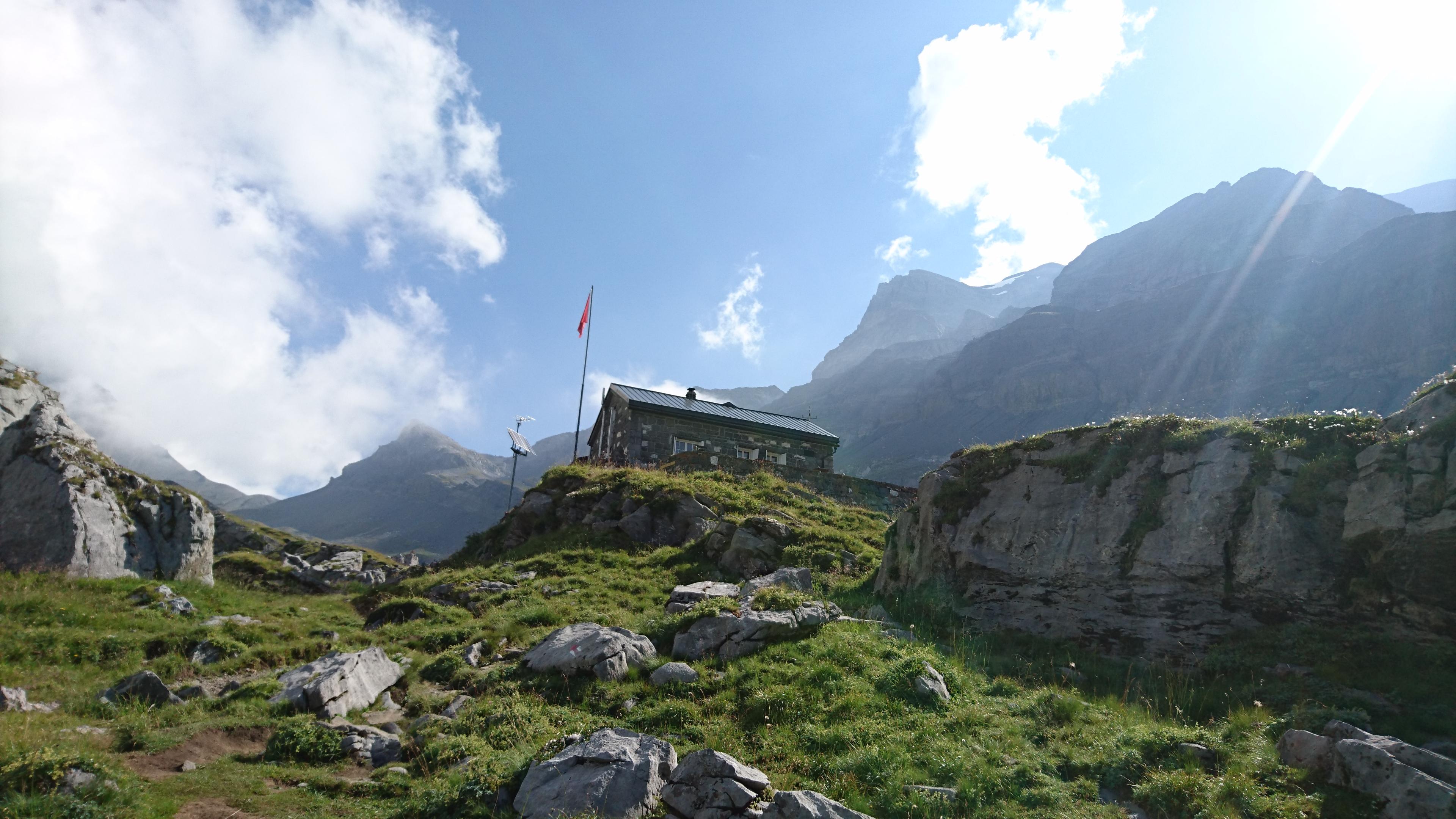 Les plus belles cabanes de montagne de Suisse - Cabane de Susanfe, Champéry, Valais