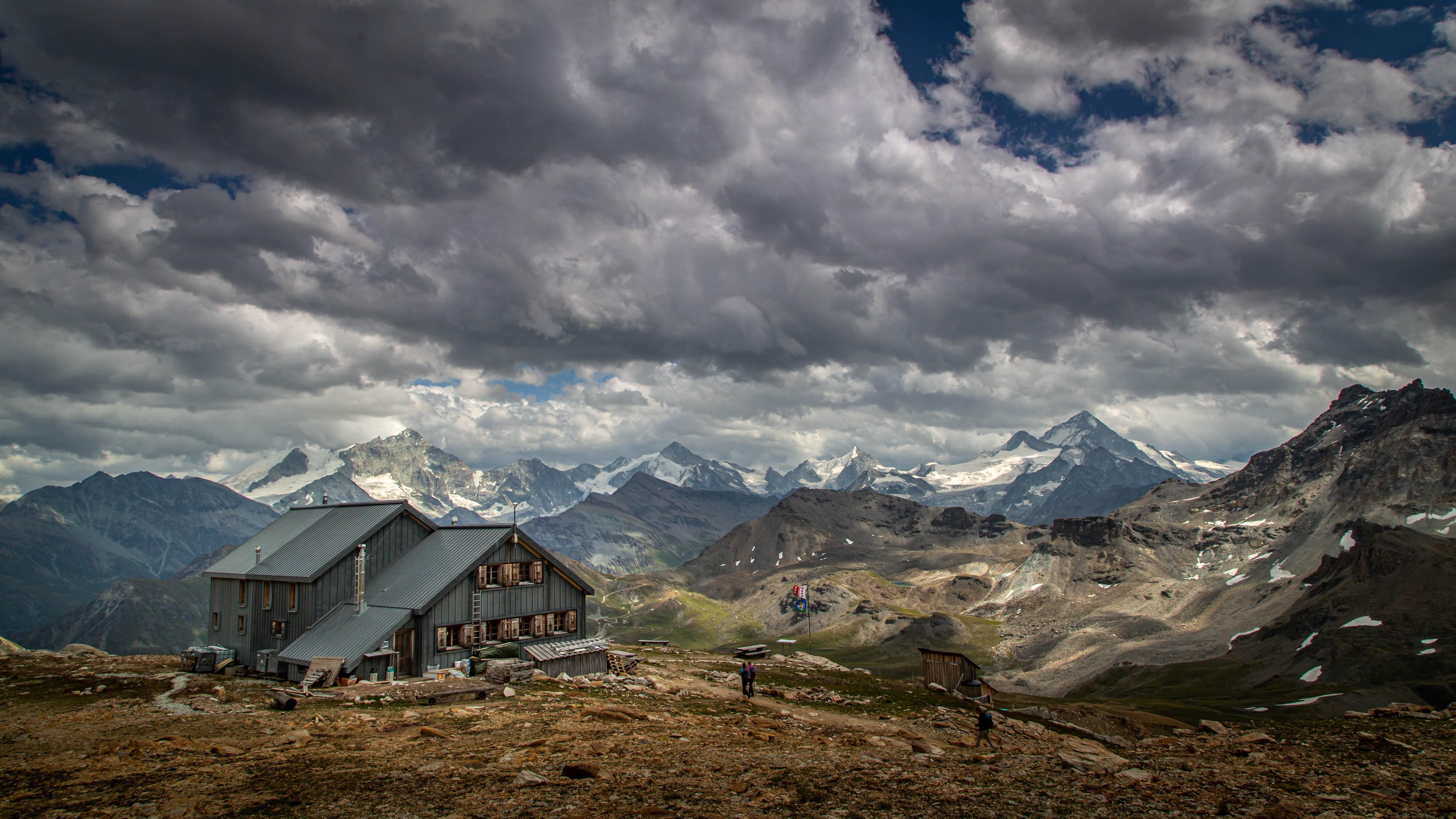 Les plus belles cabanes de montagne de Suisse - Cabane des Becs de Bosson à Saint-Martin, Valais