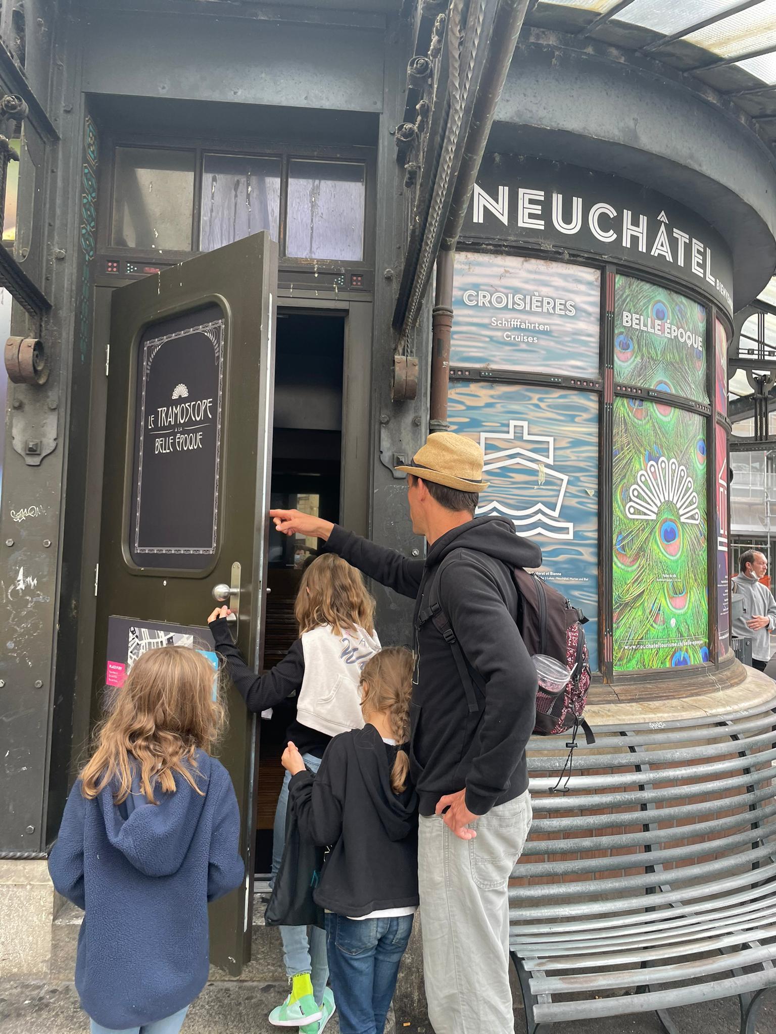 Voyage de la famille Cavadini: Neuchâtel Belle Epoque