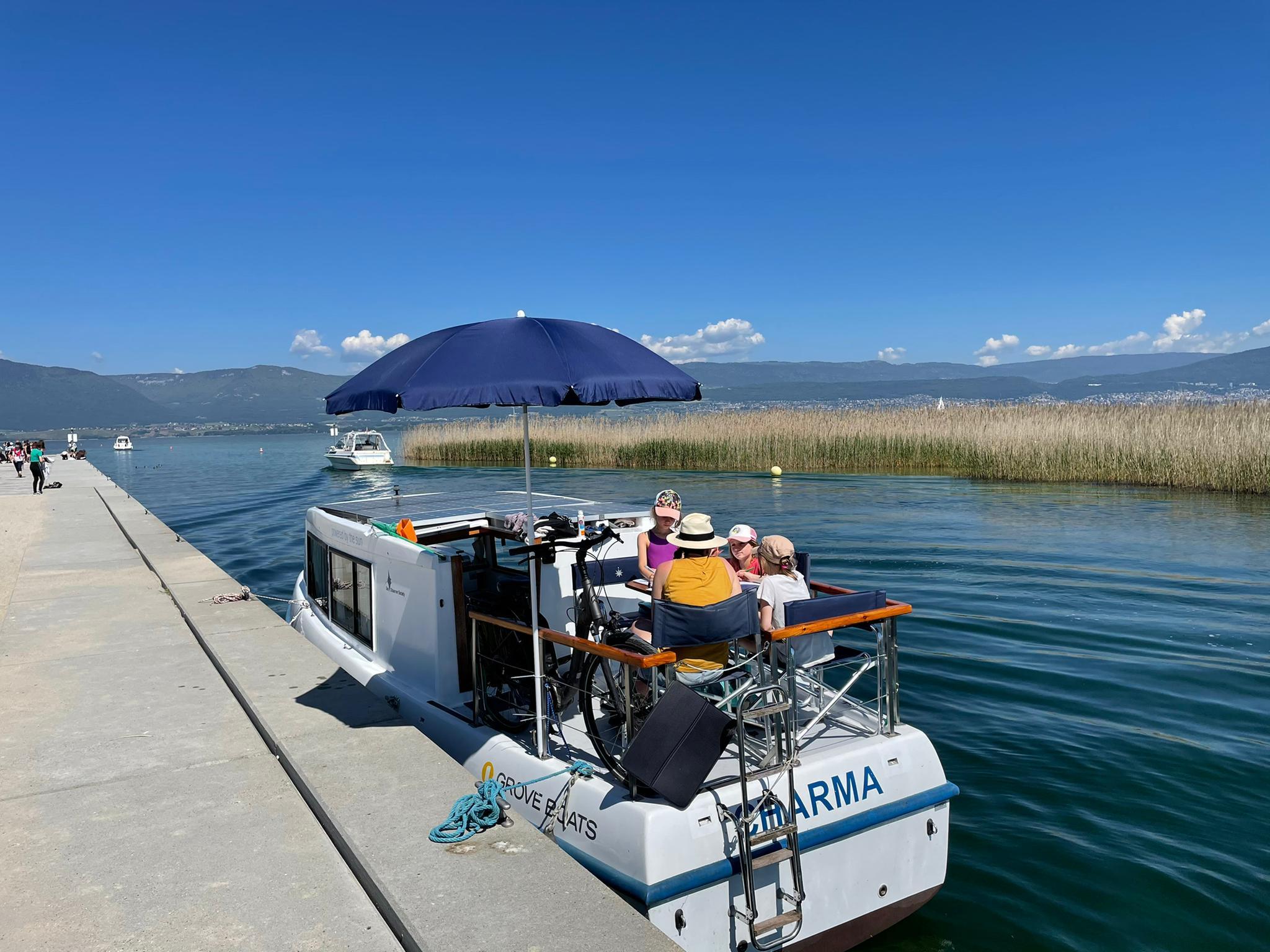 Voyage de la famille Cavadini: bateau solaire