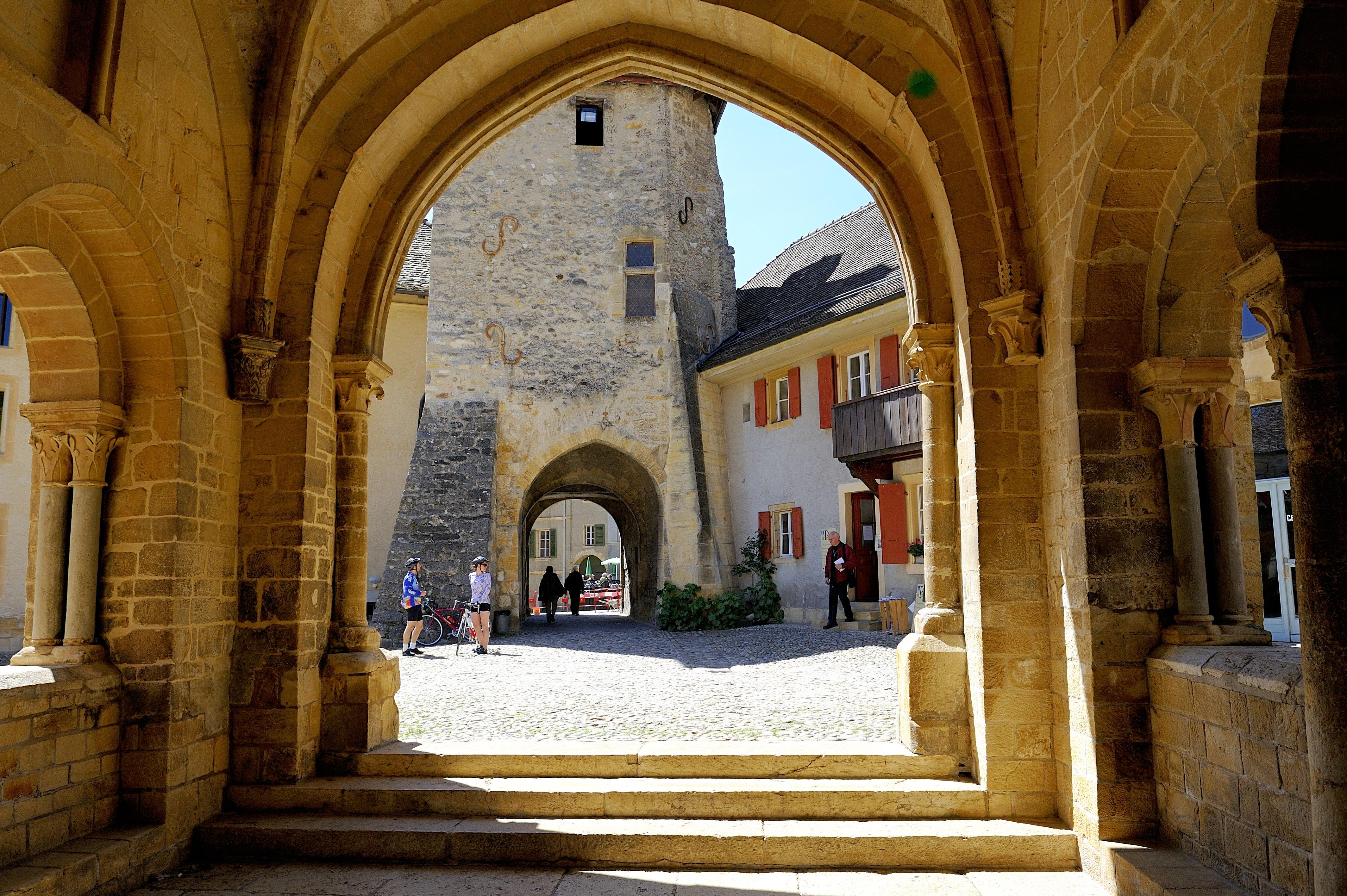 Les plus beaux villages de Suisse romande - Romainmôtier (Vaud)