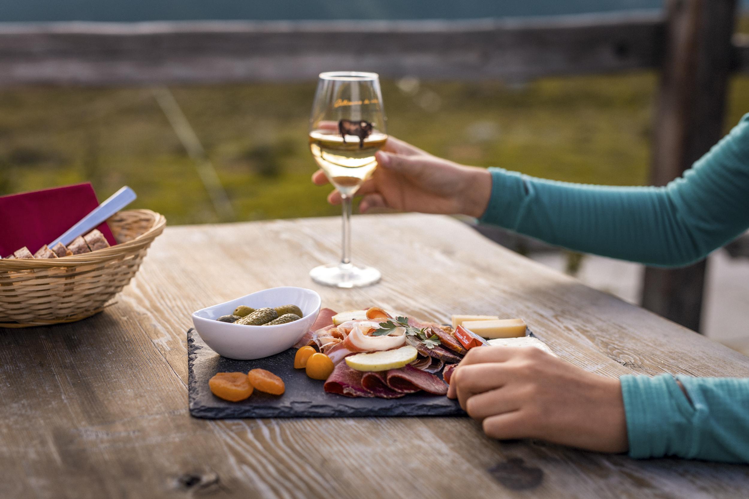 Votre été dans le Val d'Hérens, à la découverte des saveurs du terroir dans les alpages
